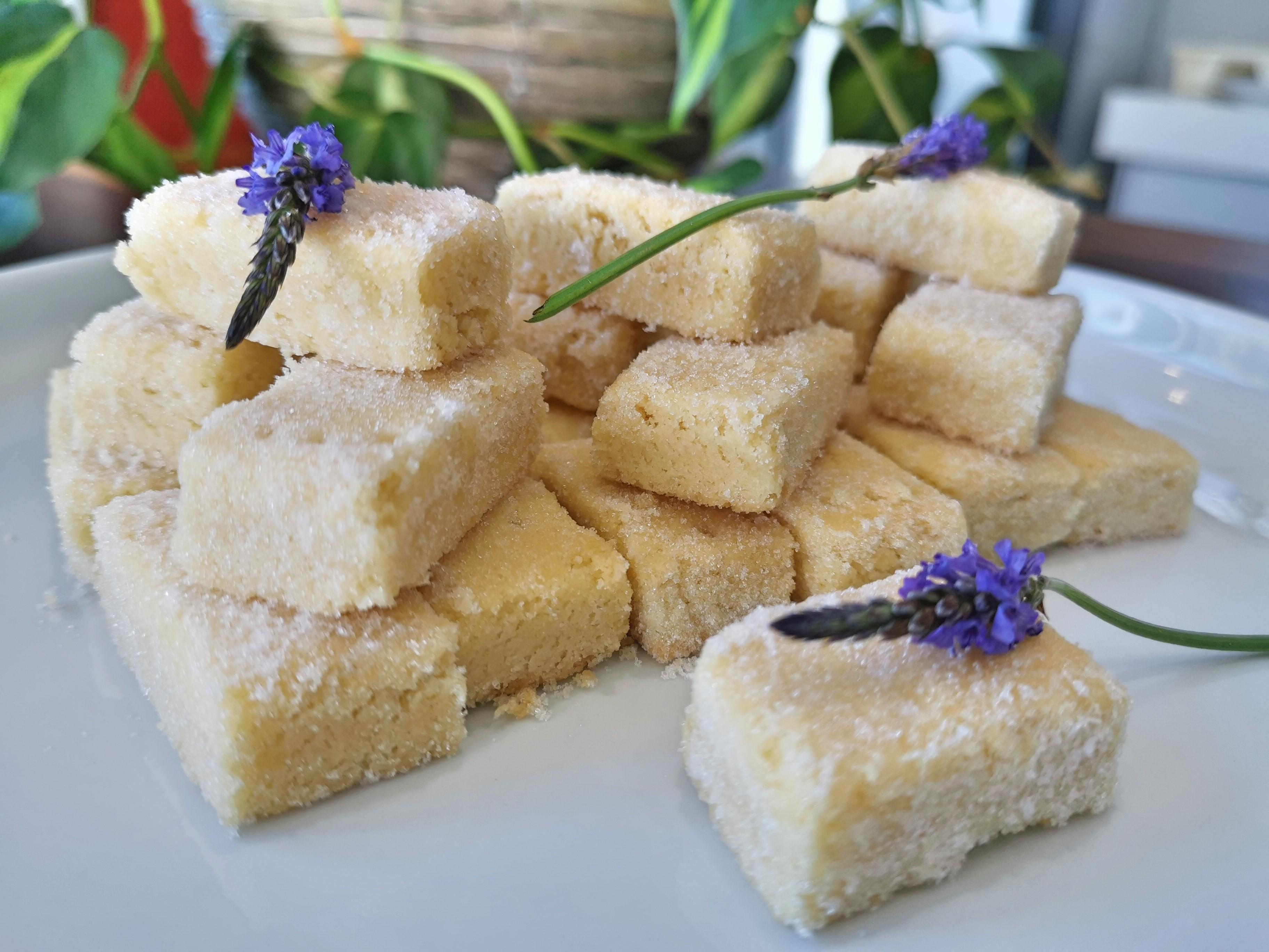 Ramon Gouws – Brosbeskuit met laventel-suiker
