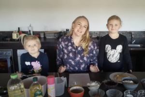 Tanya de Vente-Bijker en kinders – Oupa Len se muffins – 17 Junie 2020